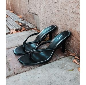 🆕//Girls night out Collection//Black thong sandal